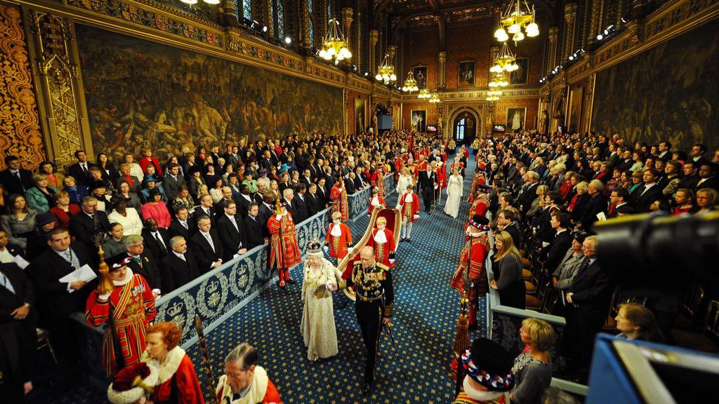国会开幕大典:英国女王第65次发表议会演讲